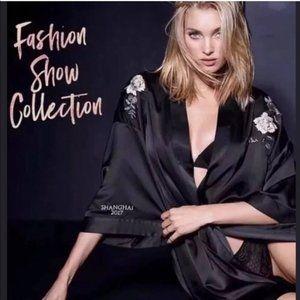 Victoria Secret Kimono Fashion Show 2017Collection